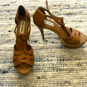 Steve Madden brown open toe platform heels size 8